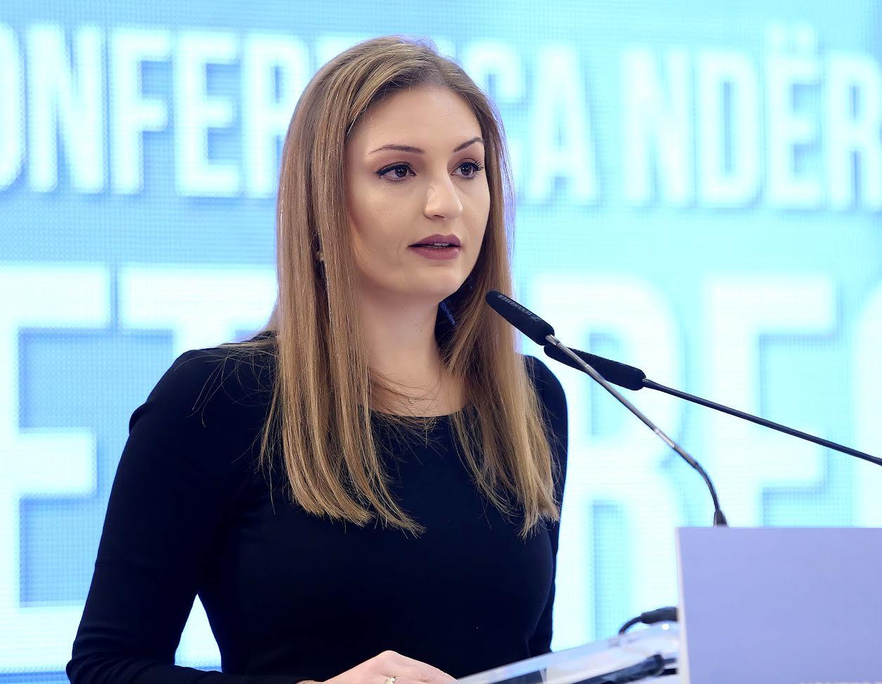 Klajda Gjosha: Listat e partive duhet të mbushen me emra e fytyra të reja