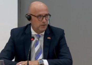 Martin Henze: Shqipëria në emergjencë Kushtetuese…