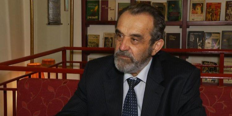 Moikom Zeqo: Shqipëria, xhungla e korrupsionit. Rinia, shpresa e së ardhmes