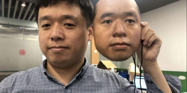Sistemet e njohjes së fytyrës në aeroport dhe pagesat e falsifikuara nga maskat dhe fotot kanë ngritur shqetësime për sigurinë