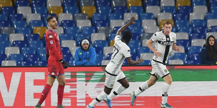 Gattuso e nis me turp te Napoli, Hysaj dhe Dermaku e shohin sfidën nga stoli (VIDEO)