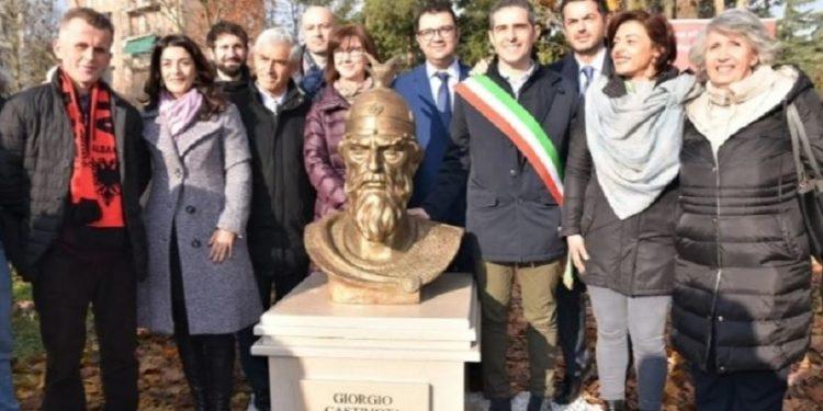 Në Parma të Italisë vendoset busti i Skënderbeut