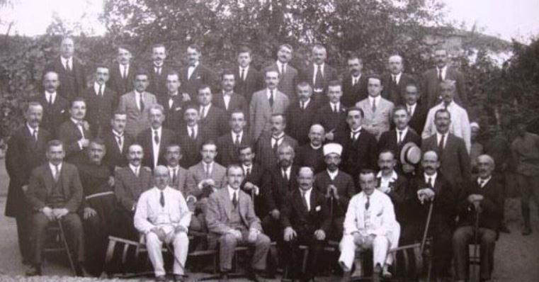 """VIDEO KOMENTI I """"KOHA JONË"""": 100 vjetori i Parlamentit të parë shqiptar"""