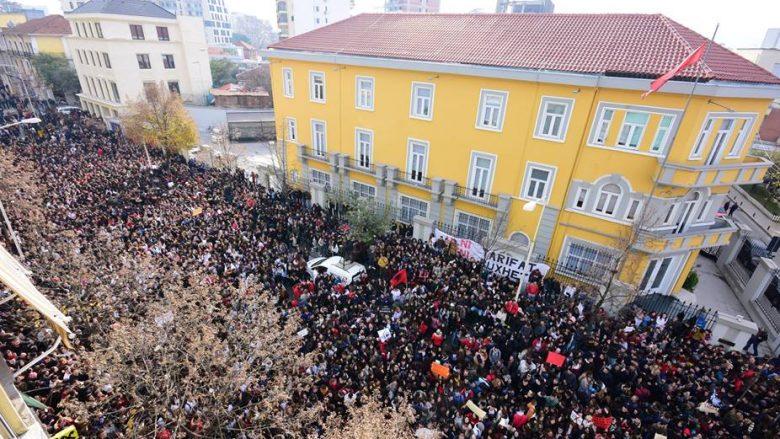 Studentët me datë 22 janar fillojnë protestën