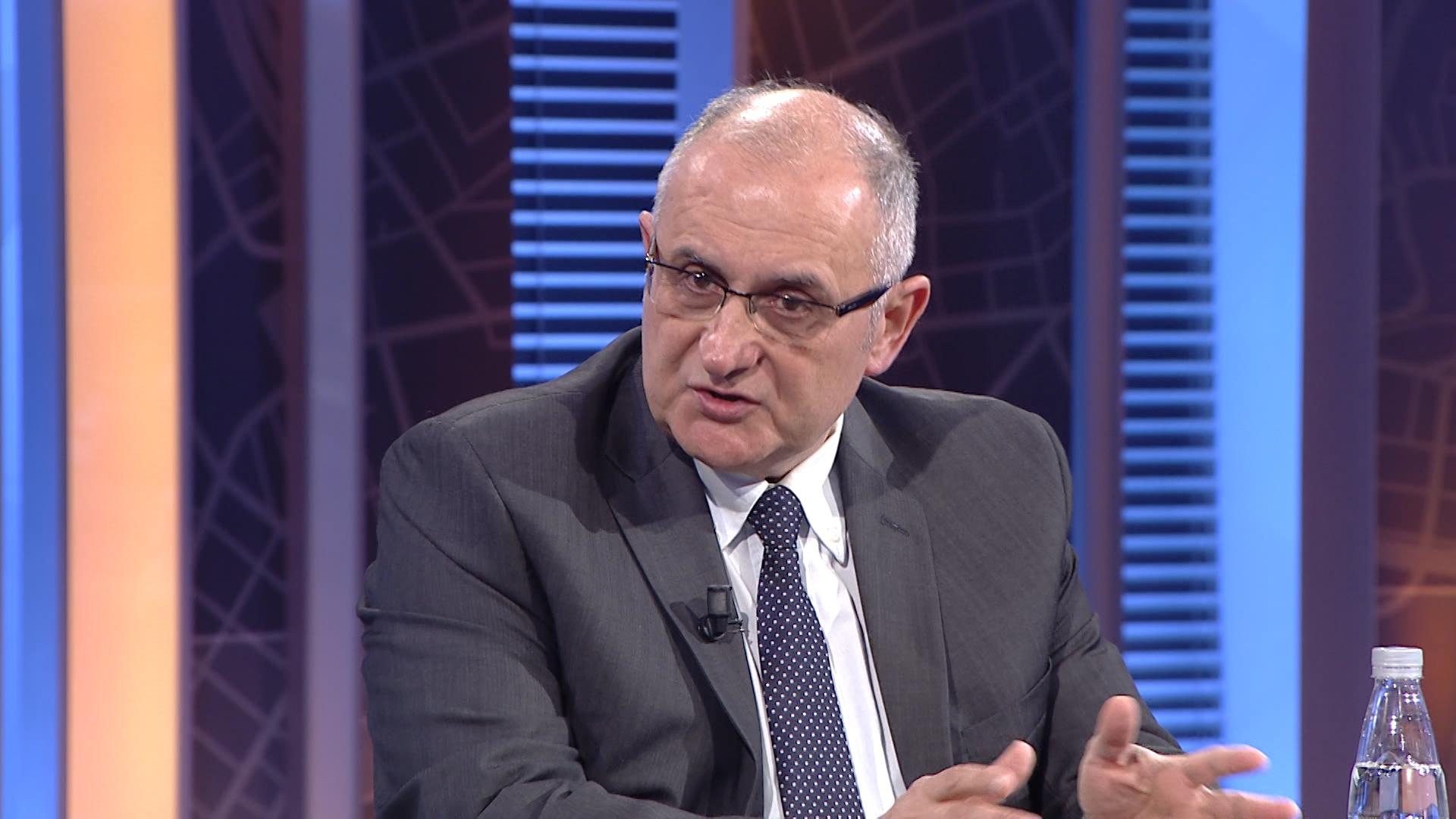 Vasili: Kryeministri dhe qeveria e asgjë-së, duhet të ndëshkohen e të bëhen shembull