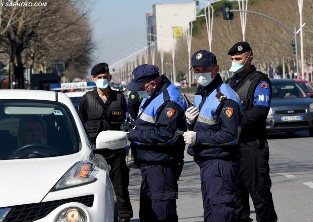 Shkelën masat kufizuese  Policia  gjobiten 230 shtetas 24 orët e fundit