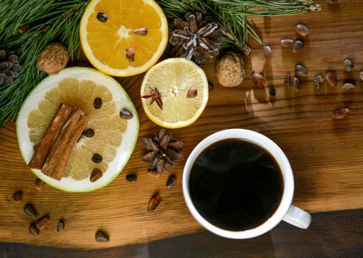 pse-shume-njerez-po-konsumojne-kafe-me-limon