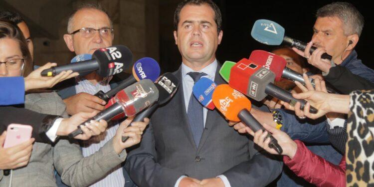 Mbyllet pa konsensus mbledhja e Këshillit Politik. Bylykbashi – Vasili: Qeveria të reflektojë