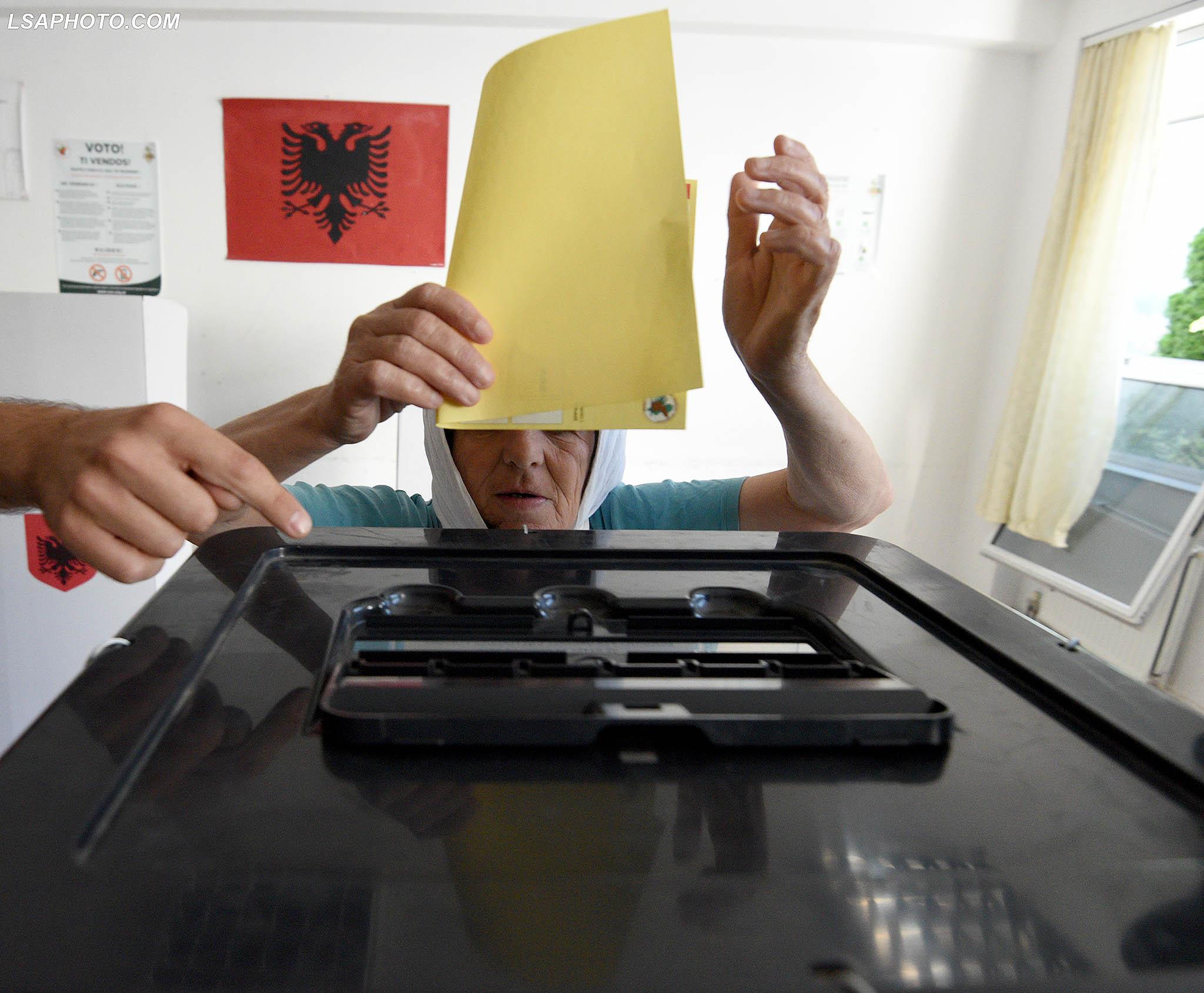 Reforma Zgjedhore/ Opozita paraqet zyrtarisht propozimin për Qeveri Kujdestare për Zgjedhjet 100 ditë para datës zgjedhore