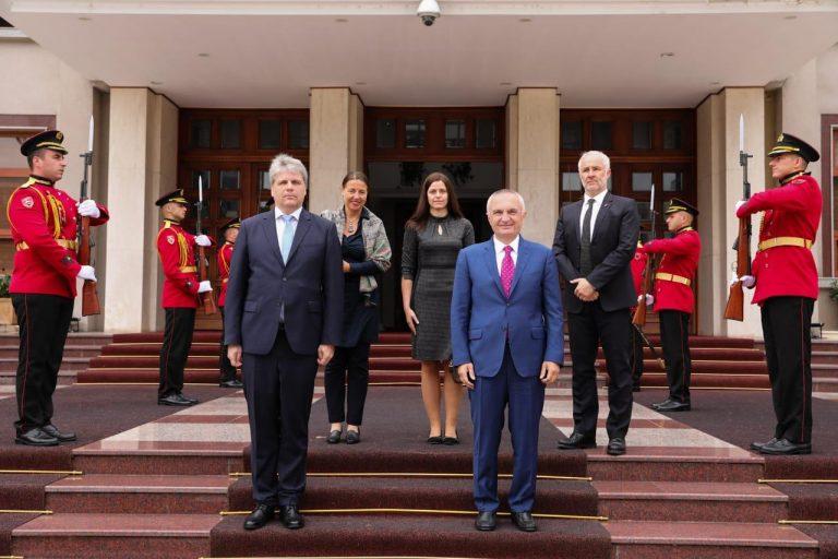 Ambasadori austriak nis detyrën në Tiranë, Presidenti Meta: Reforma Zgjedhore, kusht për integrimin