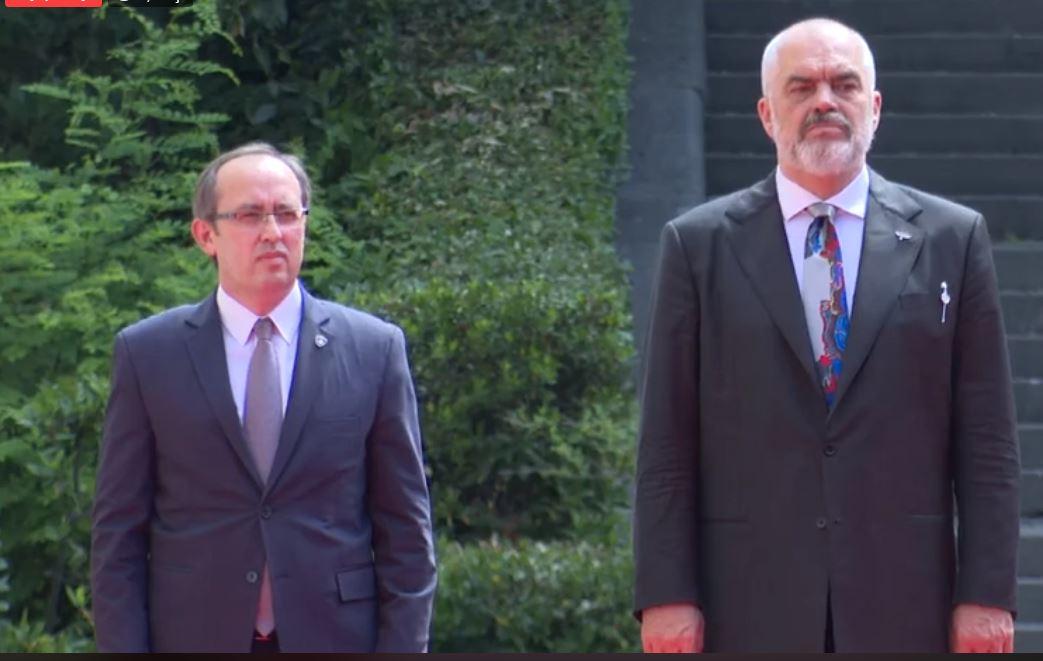 Rama: Në shtator, mbledhje të përbashkët me qeverinë e Kosovës. BE-ja po mban peng një popull
