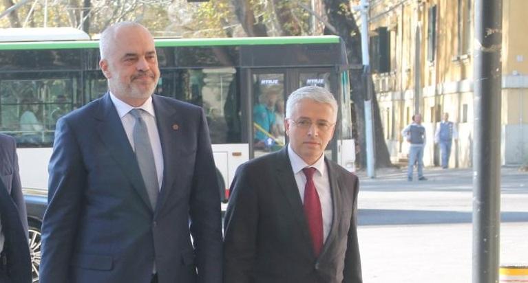 Konflikti mes kryeministrit dhe ministrit të brendshëm