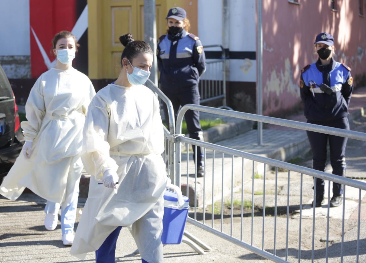 Rriten sërish shifrat/ 12 viktima dhe 832 raste të reja në 24 orët e fundit