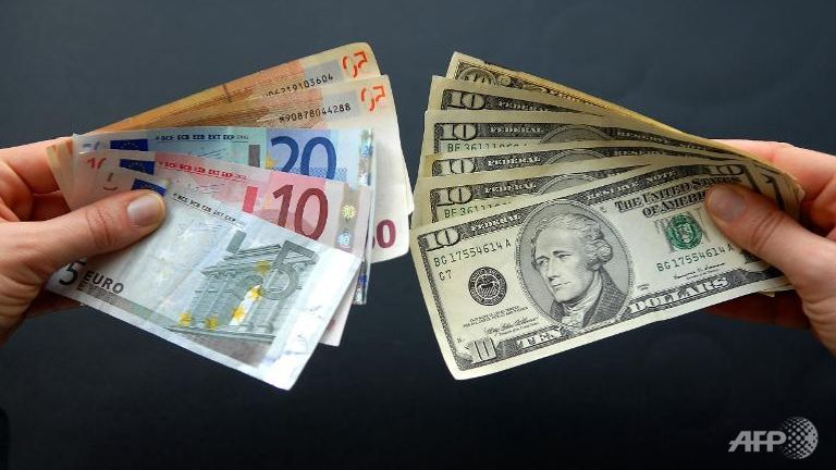 Dollari amerikan prek nivelin më të ulët në gjashtë vjet në tregun vendas