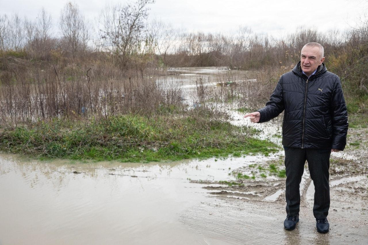 Presidenti Meta: Shteti t'i garantojë ndihmën çdo qytetari në zonat e përmbytura!