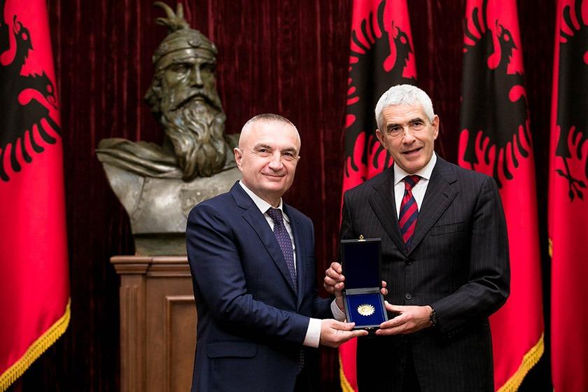 Mediat e Ramës sulmojnë senatorin italian. Reagon ambasadori italian në Tiranë: Nuk e tolerojmë, na keni fyer!