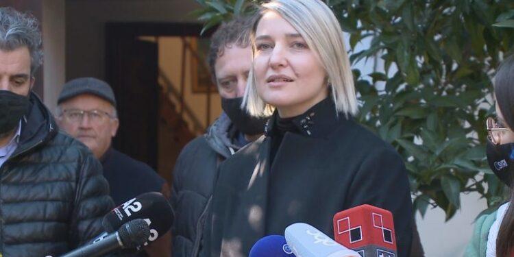 Probleme me shtëpinë e Maks Velos/ Godina e ish Radio Tiranës drejt shembjes? Margariti: Jo sa të jem unë ministre