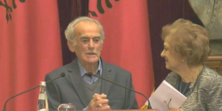 Emocione në Presidencë, Roza Anagnosti flet pas dekorimit të të shoqit: Me fat që kam pasur në krah një bashkëshort të tillë. Për mua është 20 vjeç