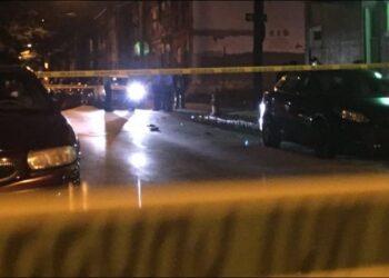 Të shtëna me armë zjarri, një i plagosur, policia rrethon Durrësin