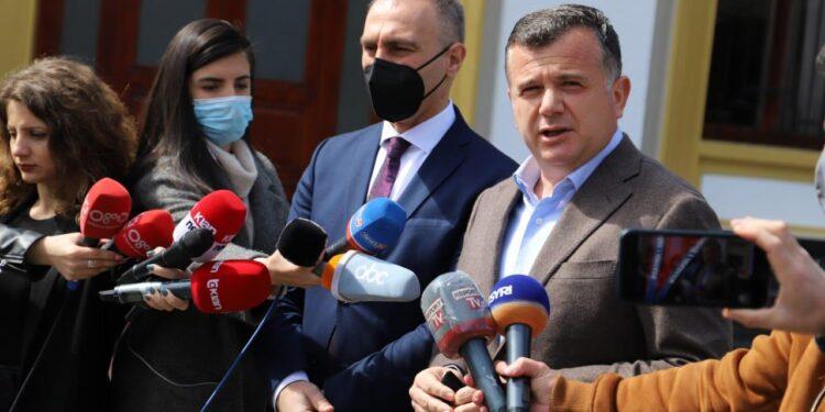 Censusi në Maqedoninë e Veriut, Balla takim me zv. Kryeministrin Grubi: Shqiptarët të regjistrohen në portalin zyrtar