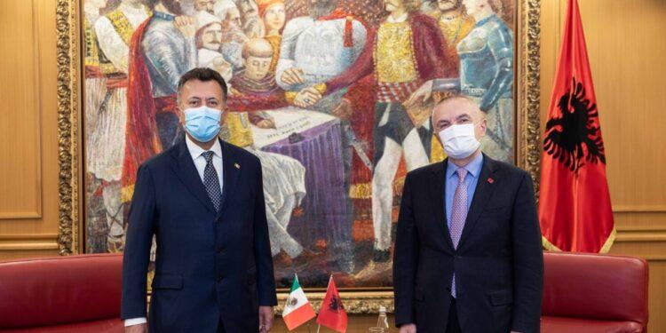 Presidenti Meta pret ambasadorin meksikan në Shqipëri: Liberalizoni vizat për shtetasit shqiptarë