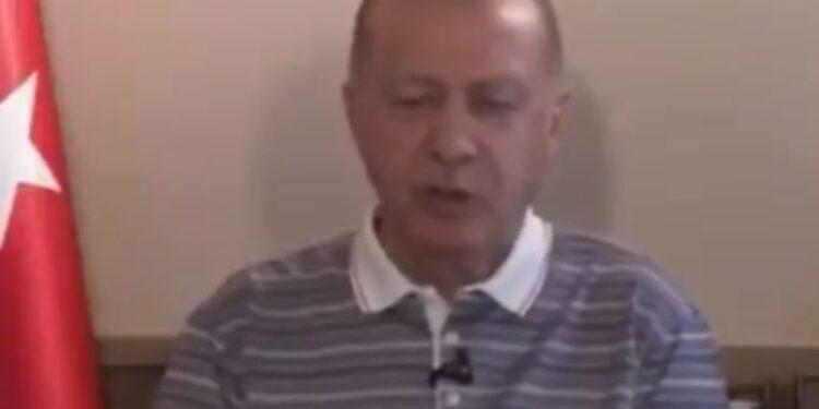 I lodhur dhe mezi flet, videoja e Erdogan bën xhiron e botës